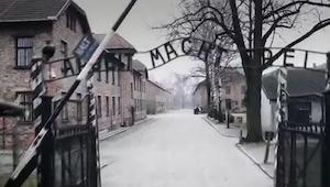 Podívejte se na Auschwitz z pohledu drona. Toto video nepotřebuje komentář.