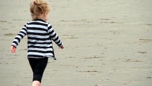 Nervózní muž křičel na holčičku. O 4 týdny později, když dostal dopis, toho lito