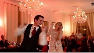 Tanec matky se synem je samozřejmostí na každé svatbě,... TOTO ale nikdo nečekal