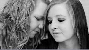 Je jí teprve 17 a už si musí vybrat mezi životem a smrtí. Rozhodla se zemřít.