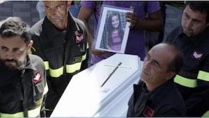 Když vzal záchranář na ruce 9letou holčičku, již nežila, ale pod jejím tělem obj