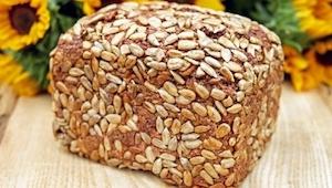 Máte už dost kupovaného chleba? Upečte si vlastní! Tento recept je skutečně jedn
