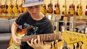 Majitel obchodu s hudebními nástroji si byl jist, že na kytaru hraje rocková leg