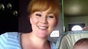 Tato matka a její krásný syn, ovládli internet. Poslechněte si, jak zpívá píseň