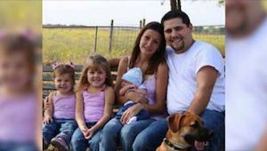 Chtěli mít krásnou rodinnou fotku. Netušili však, že se stane světovou senzací a