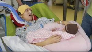 Jako 26letá po porodu ochrnula. Po tom, co jim řekla, se na jejich tvářích objev