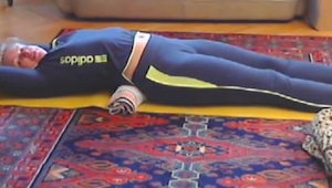 Díky tomuto 15minutovému cvičení vás přestanou bolet záda a pás budete mít štíhl
