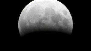 Dnes ve 20:15 se všichni budou dívat na Měsíc! Nenechte si ujít příležitost.