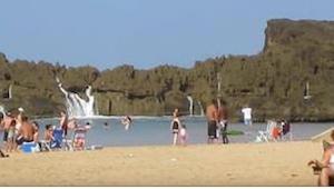 Z toho, co se stalo na pláži, se vám zatají dech!
