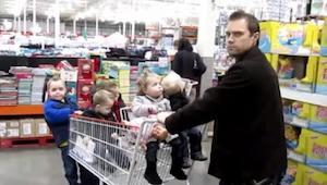 Žena ho vyzvala k tomu, aby se sám postaral o všech 5 dětí. To, co udělal, je ne