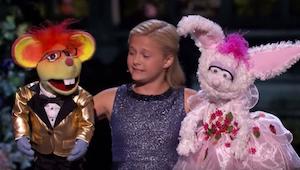 Zpívající břichomluvkyně překonala ve finále talentové soutěže i sama sebe!