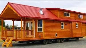 Dřevěný domeček má pouhých 60 metrů čtverečných. Když jsem uviděla, jak vypadá u