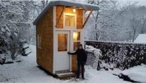 13letý kluk postavil vlastní dům. Podívejte se na dílo, které vytvořil vlastníma