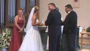 Jak je možné, že během svatebního obřadu svědek upoutal všechnu pozornost? Přesv