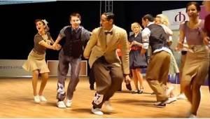 Sledujte jak se tančí Boogie-Woogie! Už len pohled na tento tanec nás unavil - k