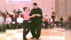 Tanečník s nadváhou? Když začal tančit, všem padla čelist!