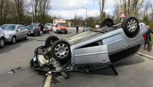 18letý kluk narazil do auta dívky, která na místě nehody zemřela. To, co policie
