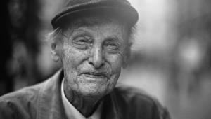 96letý muž má pro nás několik rad do života. S těmito 7 věcmi okamžitě přestaňte