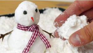Nevěděla jsem, že vyrobit umělý sníh je tak snadné!