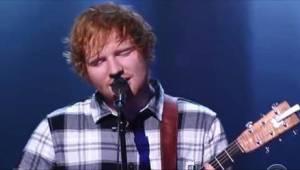 Ed Sheeran zpíval píseň jiné hvězdy a... publikum šílelo.