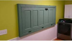 Chtěl vyhodit staré dveře, ale soused mu poradil, aby je využil jinak. Tomu se ř