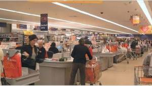 Neznámá žena jí v supermarketu vzala dítě z náručí. Z jejích slov jí v žilách zt
