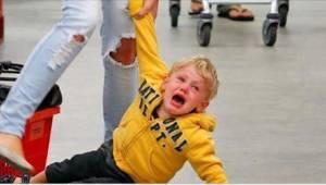 Šikovná máma zná způsob, jak uklidnit rozzlobené dítě v 5 krocích!