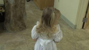 Holčička se bála kráčet v kostele s květinami. Rozhodl se zakročit svědek a uděl