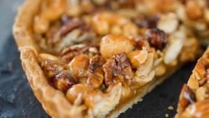 Stačí několik ingrediencí, směs oblíbených oříšků a jednoduchý dezert je hotový!