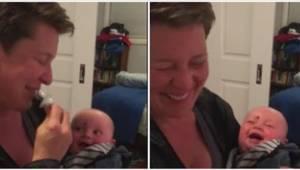 Toto dítě má ten nejnakažlivější smích ze všech. To musíte slyšet!