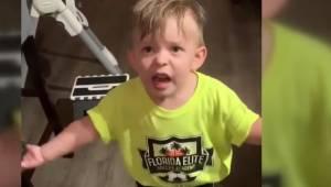Když matka odcházela z domu, zapomněla políbit svého syna. Jeho reakce pobavila